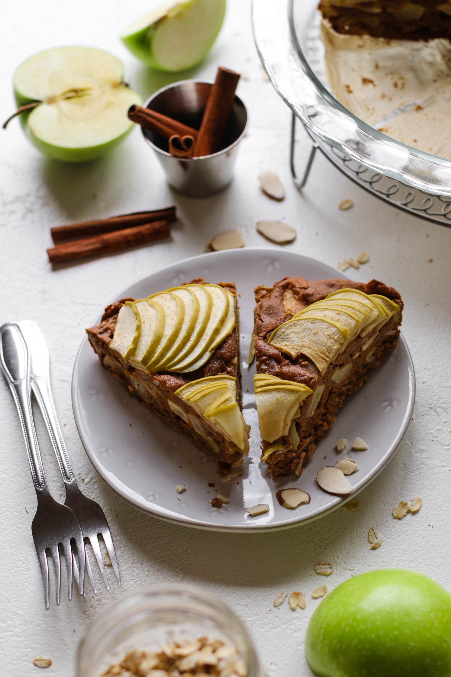 1-Bowl Apple Almond Oat Cake by Flora & Vino