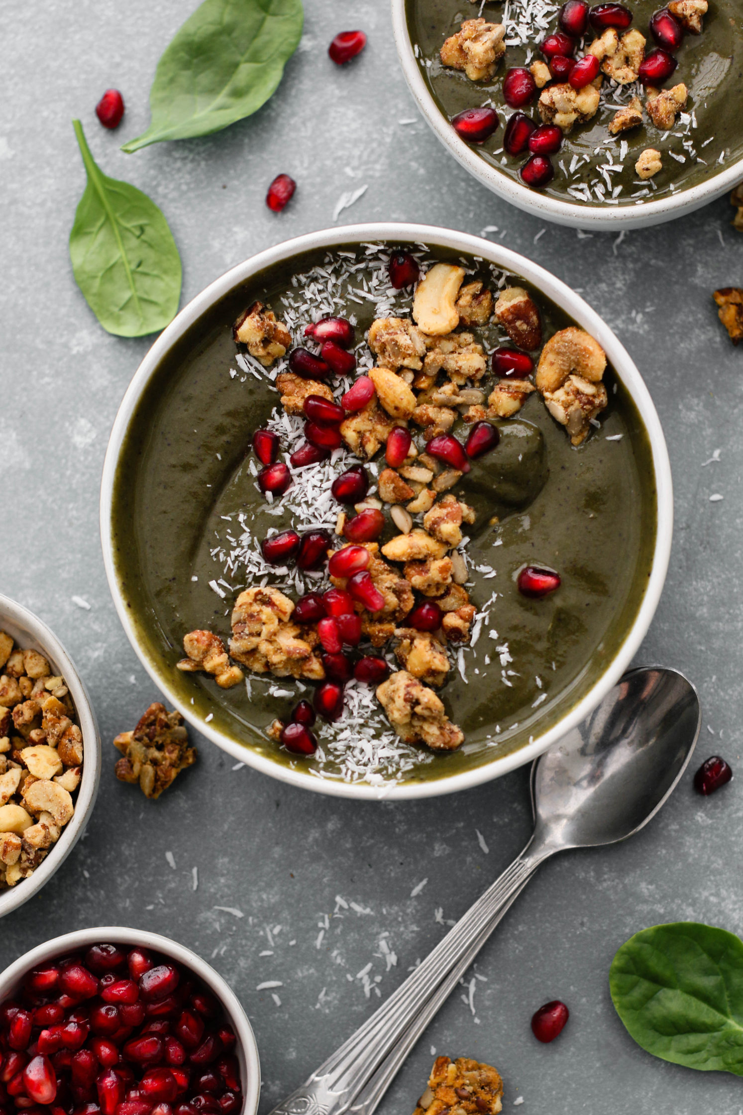 Evergreen Smoothie Bowl (Banana Free!)