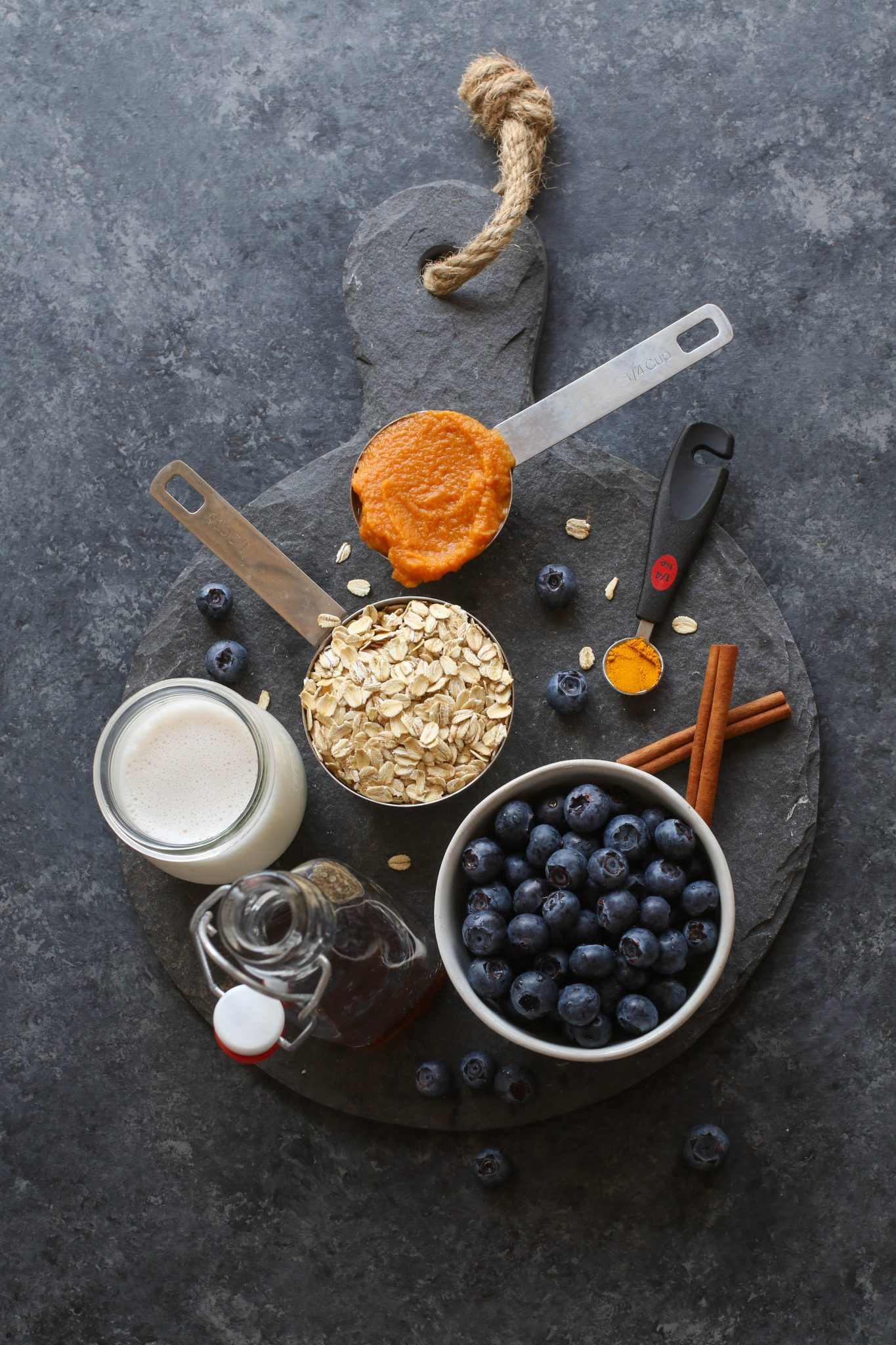 Golden Oats with Blueberries & Cashew Butter Ingredients