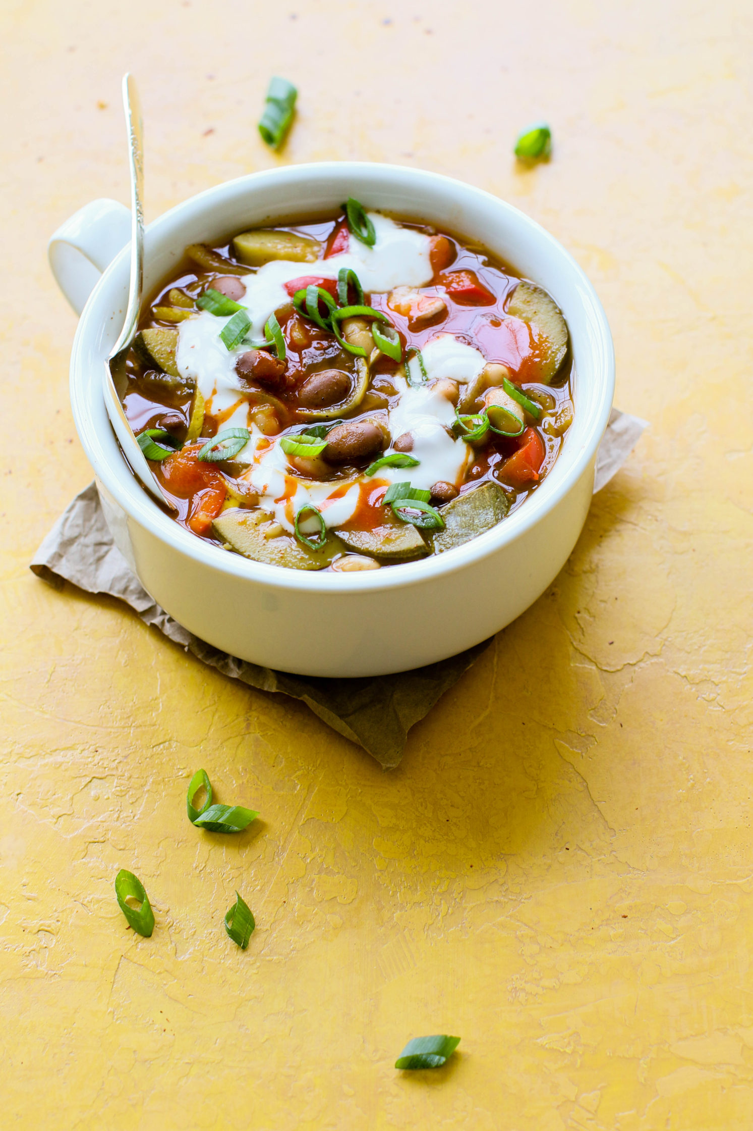 Summertime White Bean Chili by Flora & Vino