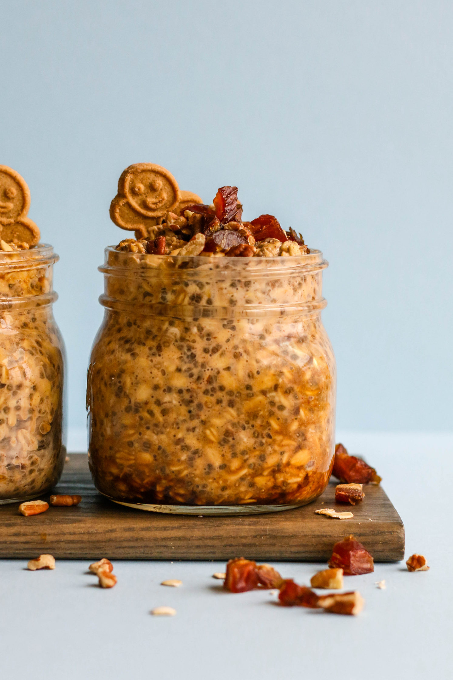 Silan-Sweetened Gingerbread Overnight Oats