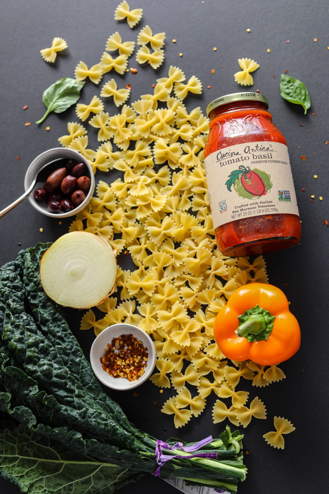 1-Pot Tomato Basil Pasta ingredients